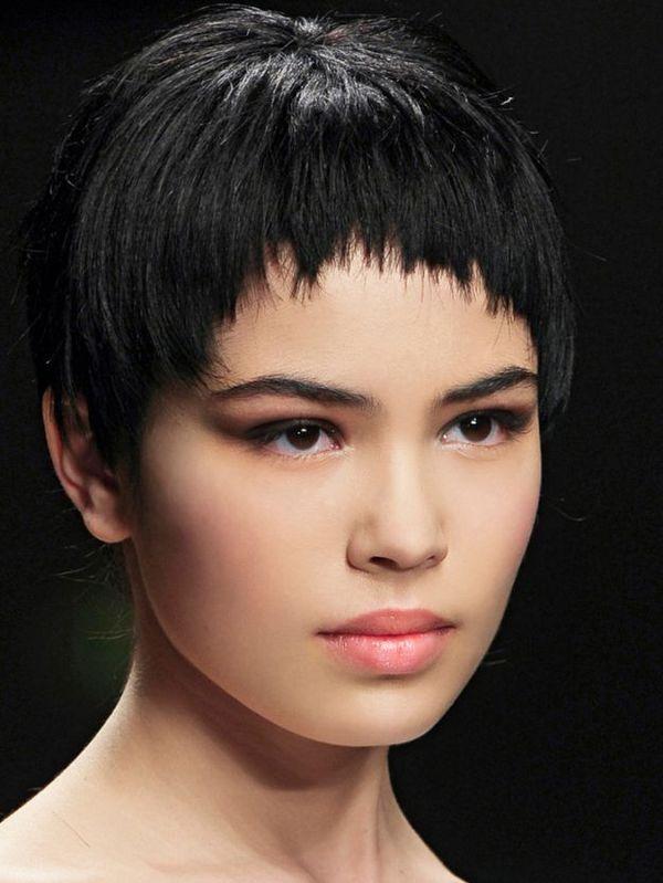 Стрижки на волосы с челкой. 25 вариантов прически с челкой