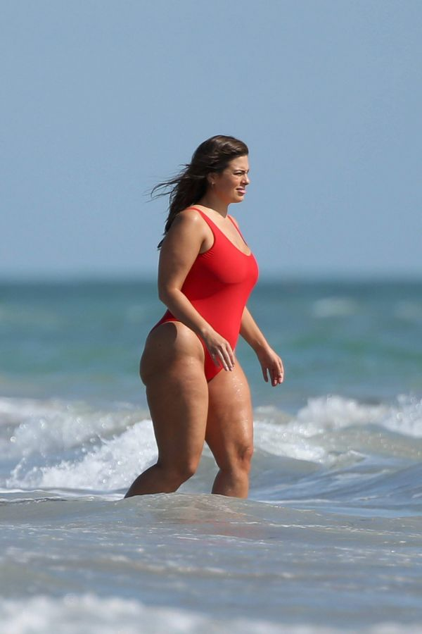Ashley Graham – Swimsuit Photoshoot Candids in Miami