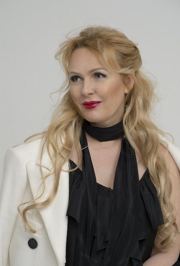 Детство, творческий путь, новые песни и планы на будущее: откровенное интервью певицы Татьяны Сорокиной