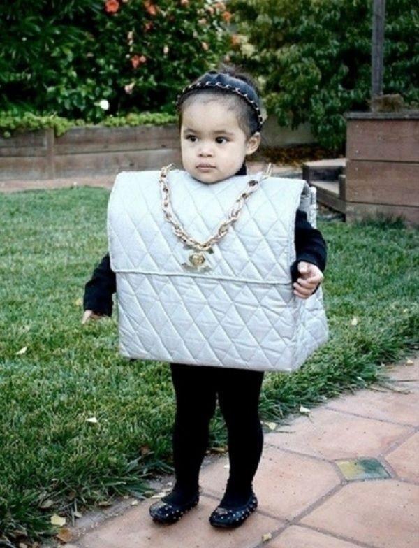 Самые модные детишки на Хеллоуин. Малыши в костюмах сумочек