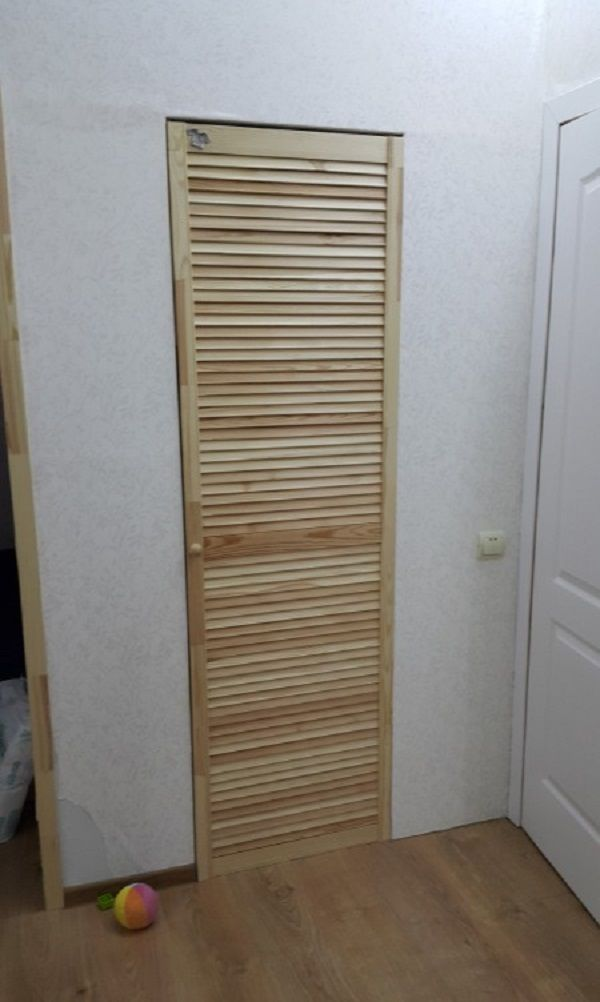 Установка жалюзийных дверей в гардеробную своими руками 4
