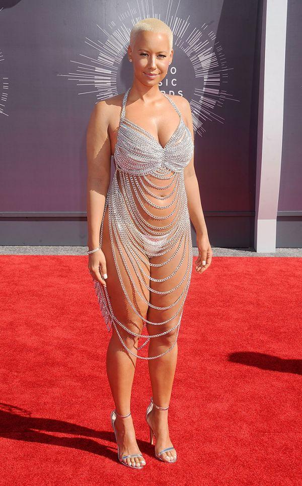 Знаменитости в прозрачных платьях