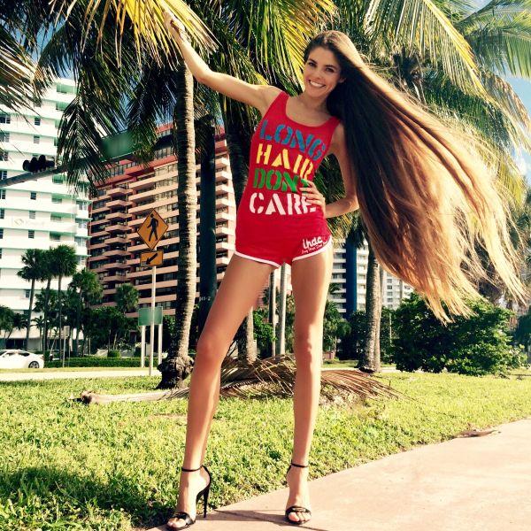 Сексуальные девушки с длинными волосами