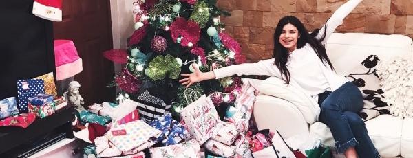 Мишель Андраде (Michelle Andrade) выпустила новогоднюю ...